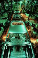 車工場の自動溶接装置
