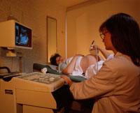 妊婦の超音波スキャン