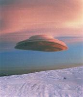 レンズ雲 01809010994| 写真素材・ストックフォト・画像・イラスト素材|アマナイメージズ
