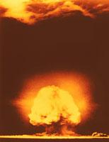 原爆 01809011190| 写真素材・ストックフォト・画像・イラスト素材|アマナイメージズ