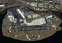 Ronald Reagan Airport�C USA�C satellite image
