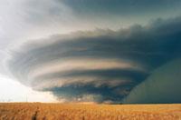 スーパーセル雷雨、アメリカ カンサス州 01809015331| 写真素材・ストックフォト・画像・イラスト素材|アマナイメージズ