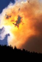 山火事 01809016561| 写真素材・ストックフォト・画像・イラスト素材|アマナイメージズ