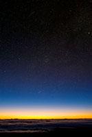 Night sky 01809025306  写真素材・ストックフォト・画像・イラスト素材 アマナイメージズ