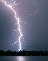 Lightning bolt 01809025352| 写真素材・ストックフォト・画像・イラスト素材|アマナイメージズ