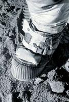 Apollo astronaut's boot on the Moon 01809025356  写真素材・ストックフォト・画像・イラスト素材 アマナイメージズ