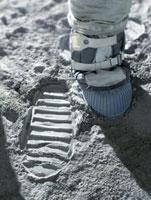 Apollo astronaut's bootprint on the Moon 01809025357  写真素材・ストックフォト・画像・イラスト素材 アマナイメージズ