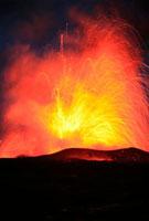 Lava explosion 01809025478  写真素材・ストックフォト・画像・イラスト素材 アマナイメージズ