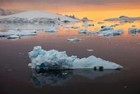 Icebergs in Antarctica 01809027671| 写真素材・ストックフォト・画像・イラスト素材|アマナイメージズ