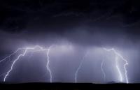 Lightning storm 01809029874| 写真素材・ストックフォト・画像・イラスト素材|アマナイメージズ