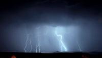Lightning storm 01809029875| 写真素材・ストックフォト・画像・イラスト素材|アマナイメージズ