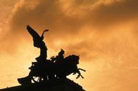 銅像のシルエット ロンドン イギリス
