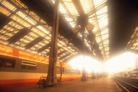 朝のリヨン駅 パリ フランス