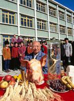 高麗人参の収穫を祝う 吉林省 中国 01852000402| 写真素材・ストックフォト・画像・イラスト素材|アマナイメージズ