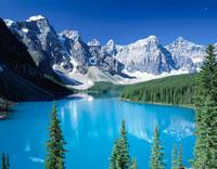 モレーン湖とカナディアンロッキー カナダ