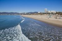 ビーチと波