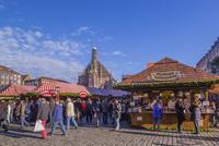 フラウエン教会とクリスマスマーケット