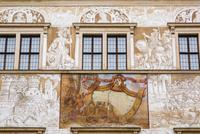 日時計と壁画