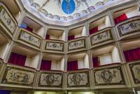 オペラ劇場 01881426589| 写真素材・ストックフォト・画像・イラスト素材|アマナイメージズ