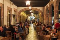マデロ通り沿いのカフェ,夜景