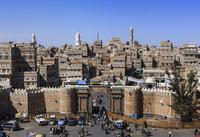 イエメン門(バーバルヤマン)とサナア旧市街/俯瞰 01888612136| 写真素材・ストックフォト・画像・イラスト素材|アマナイメージズ