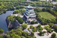 大阪城 空撮 01888612443| 写真素材・ストックフォト・画像・イラスト素材|アマナイメージズ