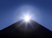 ダイヤモンド富士(朝霧高原から撮影)