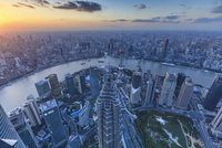高層ビル群(上海環球金融中心の展望台から撮影)