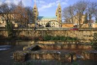 ペーチ(ソピアネ)にある初期キリスト教墓地遺跡と大聖堂 01888614460| 写真素材・ストックフォト・画像・イラスト素材|アマナイメージズ