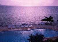 海の見えるプール夕景 モンテゴベイ ジャマイカ