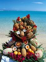 トロピカルフルーツと海 01917046772| 写真素材・ストックフォト・画像・イラスト素材|アマナイメージズ