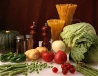 野菜とパスタ キッチンで