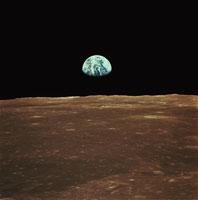 月からみた地球の出