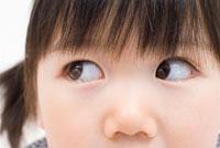 幼い女の子の顔アップ