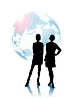 2人の女性のシルエットと地球儀 CG