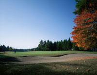 長野カントリークラブのゴルフ場風景 長野 02007002527| 写真素材・ストックフォト・画像・イラスト素材|アマナイメージズ