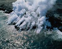 海に落ちる溶岩 ハワイ島 02022025744| 写真素材・ストックフォト・画像・イラスト素材|アマナイメージズ