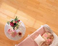 籐のテーブルとソファー