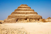 ジェセル王の階段ピラミッド 02022347175| 写真素材・ストックフォト・画像・イラスト素材|アマナイメージズ