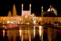 イマーム広場とイマームモスク夜景 02022347311| 写真素材・ストックフォト・画像・イラスト素材|アマナイメージズ