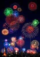 東京の夜空に花火