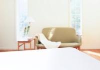 リビングとテーブル 02022349397| 写真素材・ストックフォト・画像・イラスト素材|アマナイメージズ
