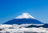 富士山と雲海 02022349426| 写真素材・ストックフォト・画像・イラスト素材|アマナイメージズ
