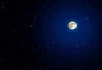 星空に浮かぶ満月