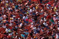 観客席の群集