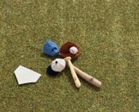 ミニチュアの野球道具