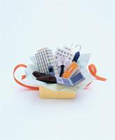 フェルト製のビジネスアイテムのプレゼント 02119010086| 写真素材・ストックフォト・画像・イラスト素材|アマナイメージズ