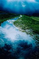 川面に映る雲