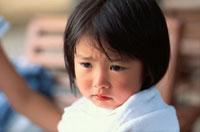 泣く日本人の女の子