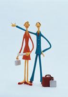 旅のビジネスマン&ウーマン クラフト 02157010091| 写真素材・ストックフォト・画像・イラスト素材|アマナイメージズ